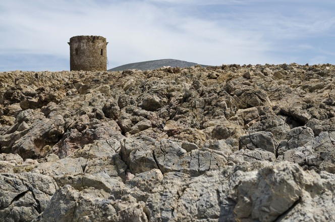 sardinian-watch-tower-3-1622047