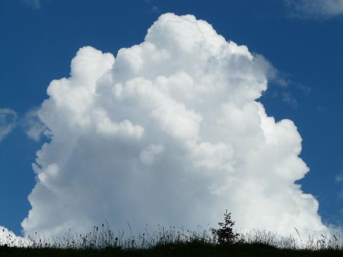 cloud-8075_1920.jpg